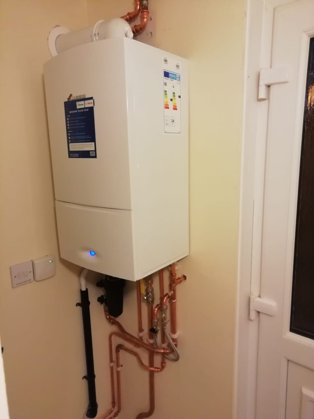 Gas combi installation